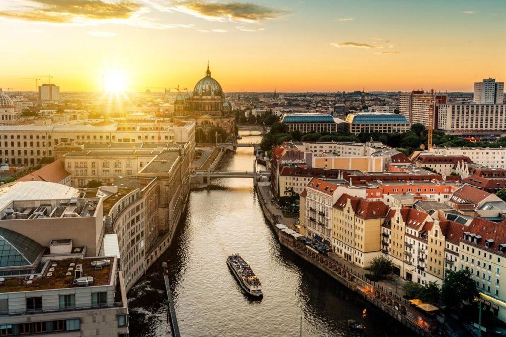 خرید املاک تجاری آلمان